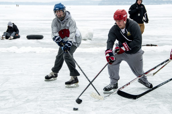 Pond Hockey image 3