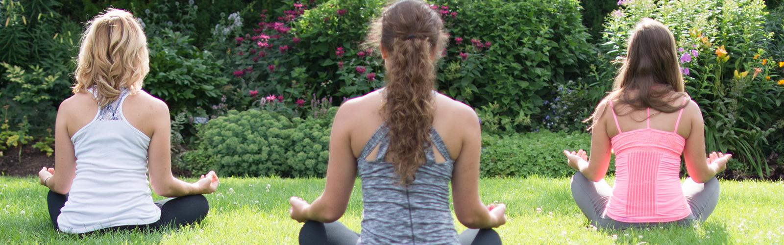 Outdoor-fitness-yoga